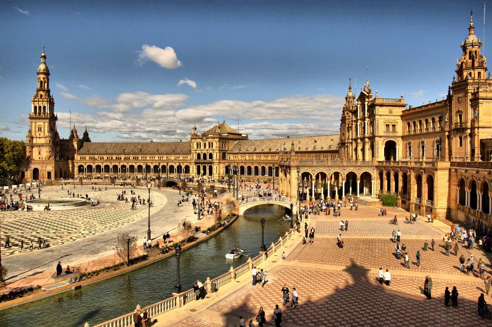 Plaza de España Sevilla. Las Plazas más bonitas de Europa