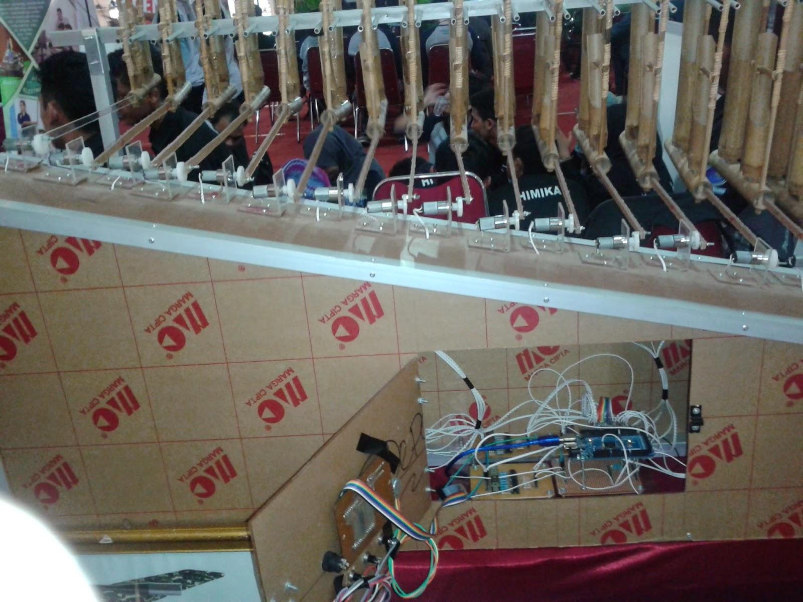 Kicauan-Vina-Robot-Angklung-PCR-EDU-Expo