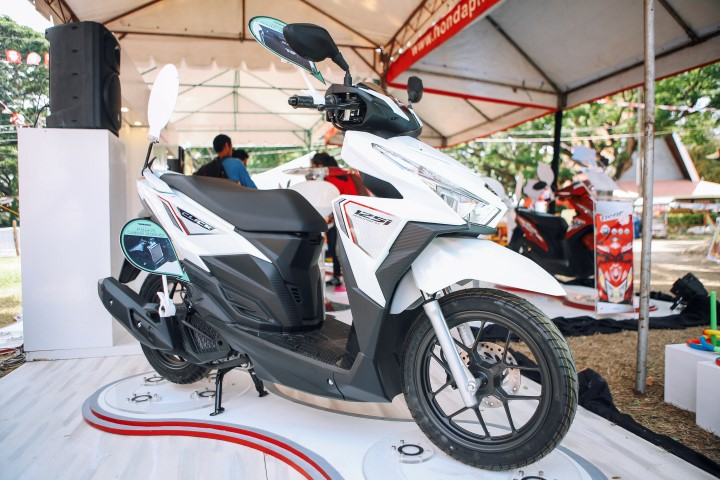 Honda BeAT FI eSp Series Scooter