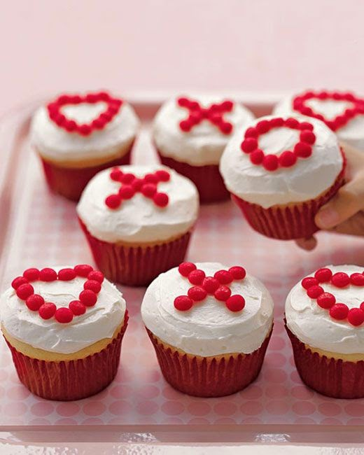 http://www.buzzfeed.com/1marthastewart/20-valentines-day-ideas-that-wont-make-you-want-ih71?sub=2955628_2357681