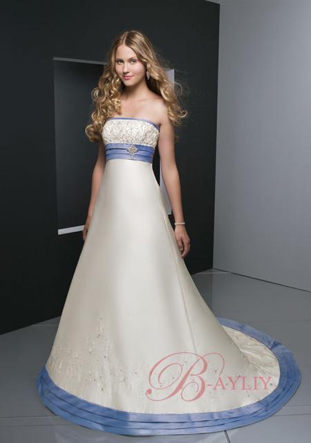 robes de mariage robes de soir e et d coration robe de mari e bleue et blanche. Black Bedroom Furniture Sets. Home Design Ideas