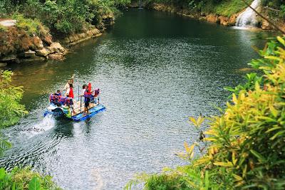 Sungai Menuju Air Terjun Sri Gethuk