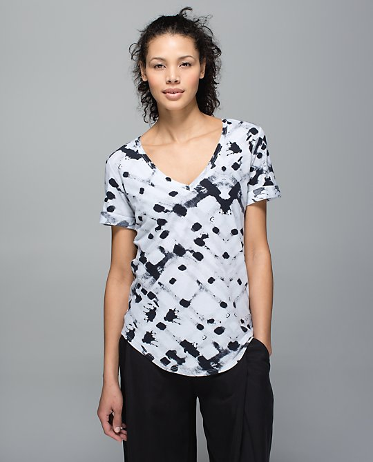 lululemon ghost-weave-love-tee
