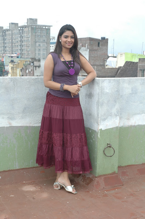 maheshwari the sunkalainger tv anchor real unseen photo gallery