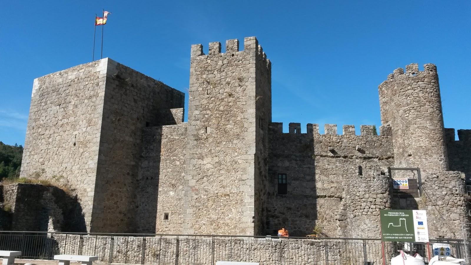 Castillo medieval de San Vicente, situado en la zona más alta del pueblo y en plena restauración.