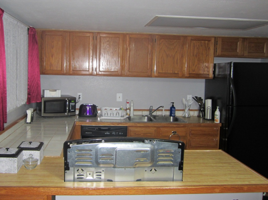 GIY: Goth It Yourself: Kitchen Makeover: Wall Cabinets