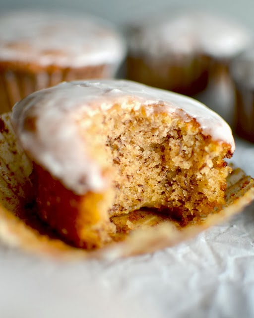 http://www.yammiesnoshery.com/2013/10/the-best-banana-bread-muffins-ever.html