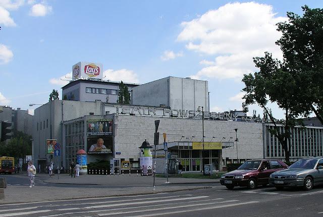 By Teatr Powszechny (Zasoby Teatru Powswzechnego w Warszawie) [GFDL (http://www.gnu.org/copyleft/fdl.html) or CC-BY-SA-3.0-2.5-2.0-1.0 (http://creativecommons.org/licenses/by-sa/3.0)], via Wikimedia Commons