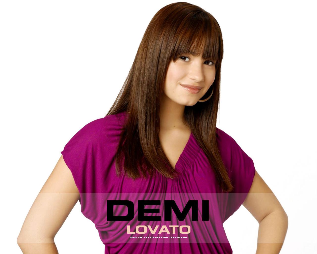 http://1.bp.blogspot.com/-qiI5riGqGq0/UPSK9I01pdI/AAAAAAAATRU/hbdU4HhobTo/s1600/Demi-Lovato4.jpg