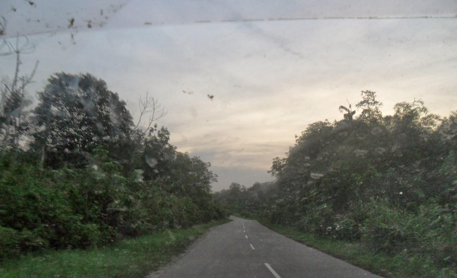 MUARA TEWEH - KABUPATEN BARITO UTARA: JALAN DESA MALAWAKEN