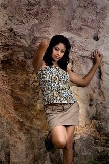 sri lankan model piyumi in short skirt photo gallery