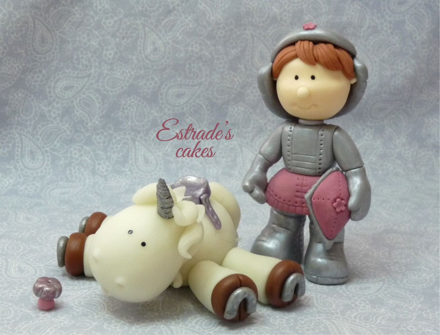 unicornio y caballero modelados