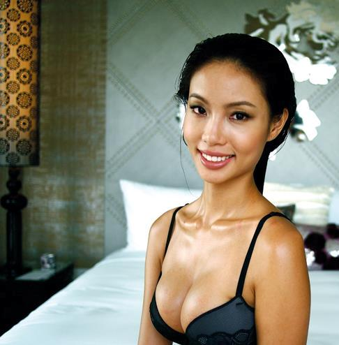 Lynn Tan, aged 24, 2011 FHM Model of the Year, crowned Miss Universe Singapore 2012 and represent the island republic in this year's edition in the Carribbean.