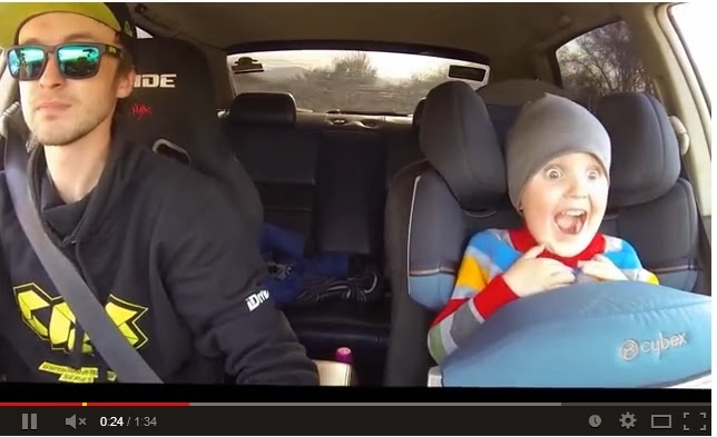 Pior (OU MELHOR) pai do mundo??? Homem leva filho de 3 anos a uma aula de drift e vídeo da o que falar, confira: