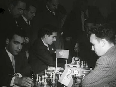 Partidas de ajedrez Oliveira-Farré y Beltrán-Ribeiro del Torneo Triangular Internacional Madrid - Lisboa - Barcelona