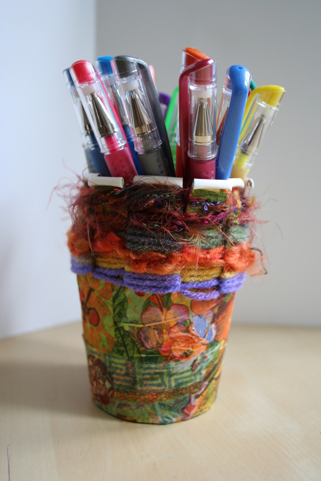 Pink and green mama recycle craft paper cup weaving for How to make recycled paper crafts