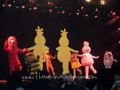 Yo Gabba Gabba dancing