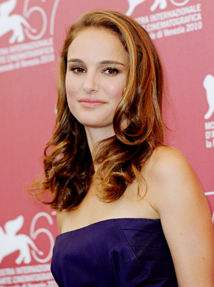 a new life hartz: Natalie Portman in Different Hairstyle Look Kim Kardashian Wedding Hair