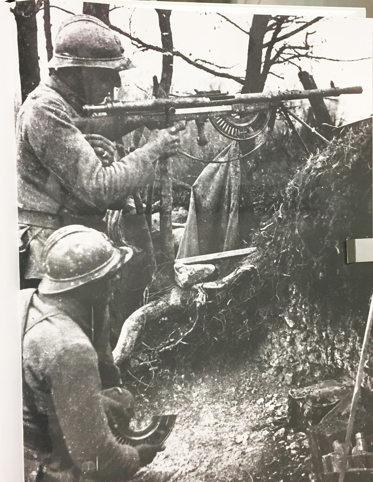 1915 chauchat french light machine gun placed into service with the french in 1916 and extensively used by u s forces 1917 1918
