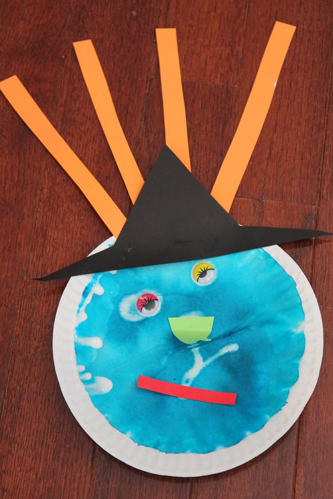 Witch Themed Preschool Crafts u0026 Activities Preschool Spotlight : paper plate witch - pezcame.com