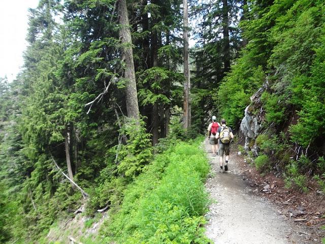 Hiking Howe Sound Crest Trail