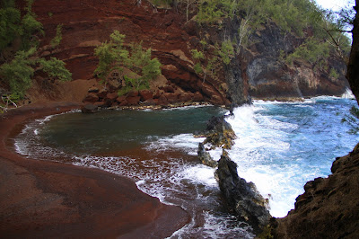 trail view of Red Sands Beach