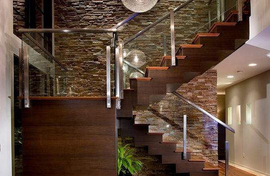 Fotos de escaleras escaleras de maderas para interiores for Escalera interior de troncos