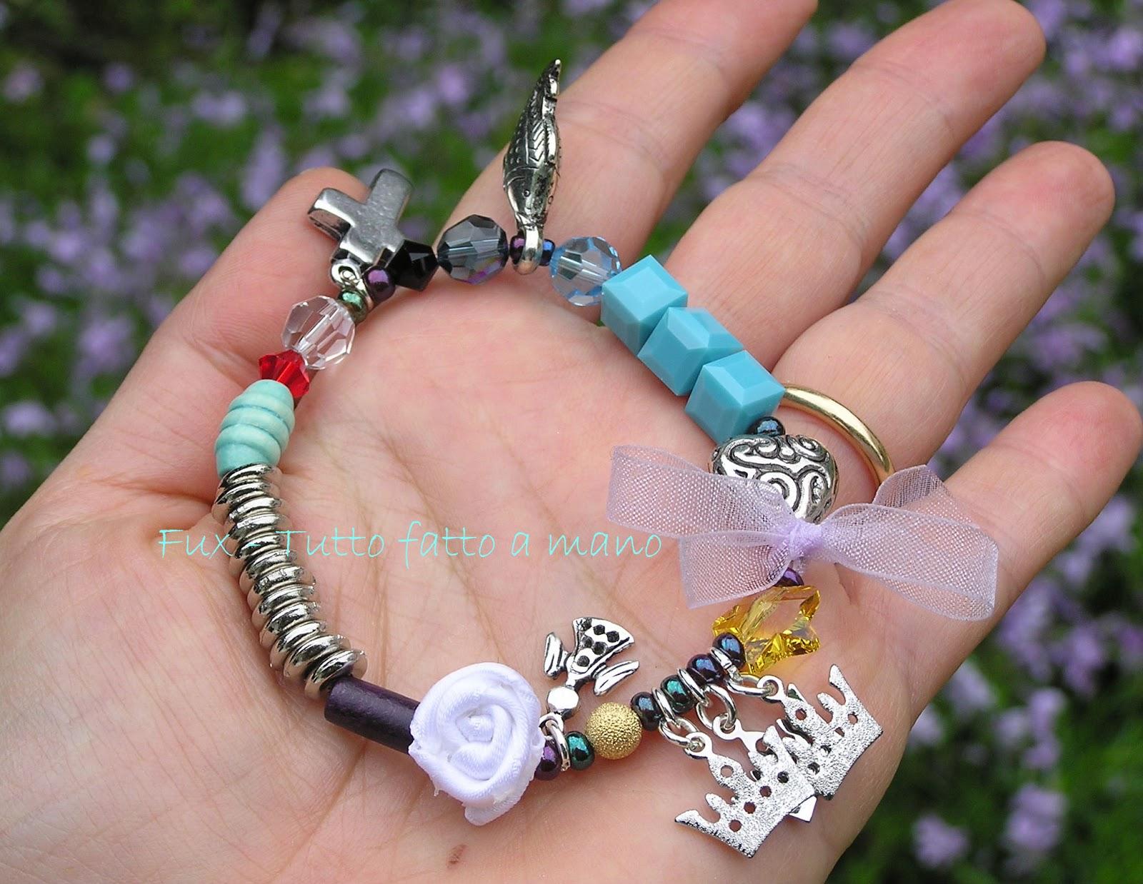 Ogni sua perla rappresenta un evento della vita di Ges¹ Si presta e regalo per una bambina che riceve la sua prima unione o la cresima