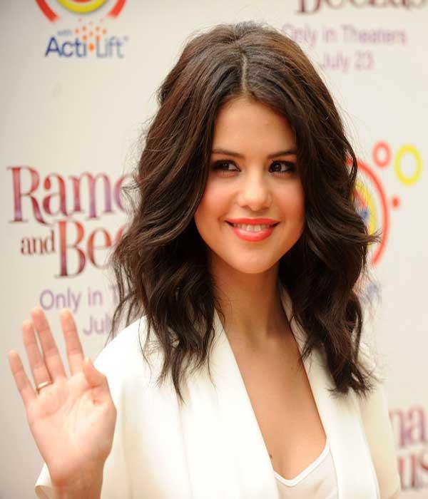 selena gomez medium curls celebrities style