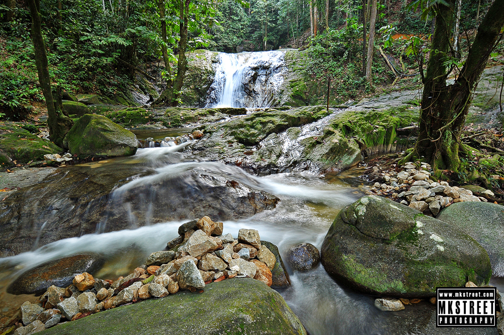 Sungai sendat waterfalls, hulu yam