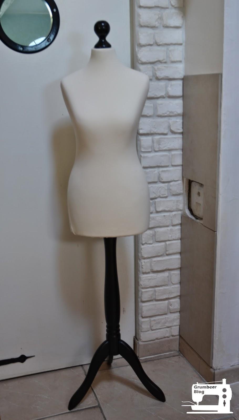 ma nouvelle copine de couture. Black Bedroom Furniture Sets. Home Design Ideas