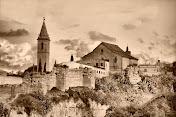 La ciudad amurallada de Hisn Shaluqa, en el aljarafe musulmán. Sanlúcar la Mayor.