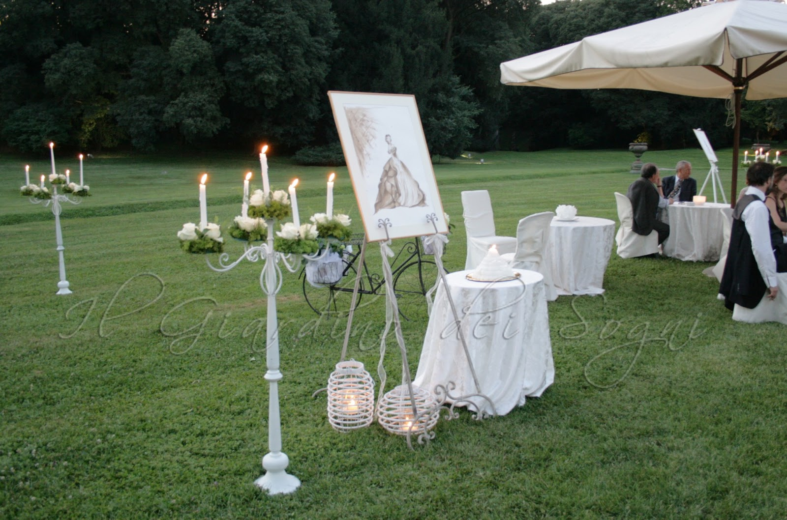 Sposine il blog della sposa il design floreale del for Allestimento giardino matrimonio