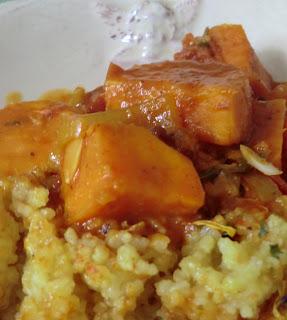 Tajine de patates douces et boulgour de riz au curcuma et paprika