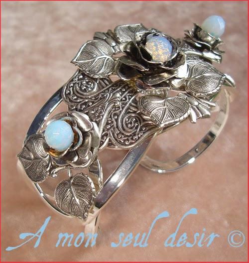 Bracelet elfique bijou floral fleurs opale Arwen elven fairy flower white opal jewelry