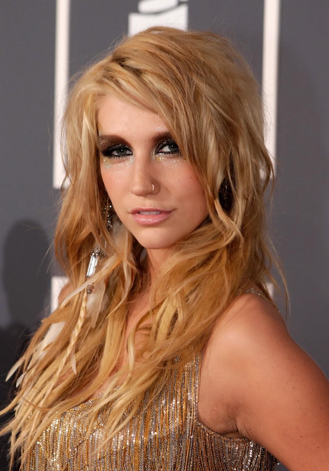 Kesha Blowjob Nude Photos 24