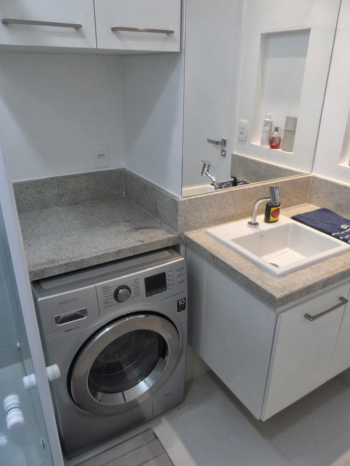 secar em nicho no banheiro com armário de material de limpeza em cima #7D654E 1200x1600 Bancada Banheiro Material