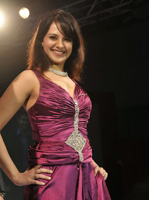 Saloni Hot in Blue Dress at Fashion Show Photos