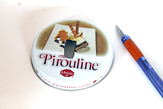 Make a Piggy Bank from a recycled @piroulinecookie tin and some felt! tutorial by @punkprojects