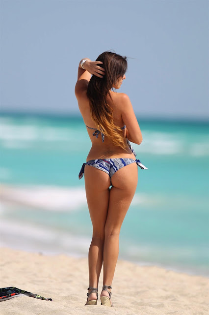 Claudia Romani - Bikini Candids on the Beach, Miami
