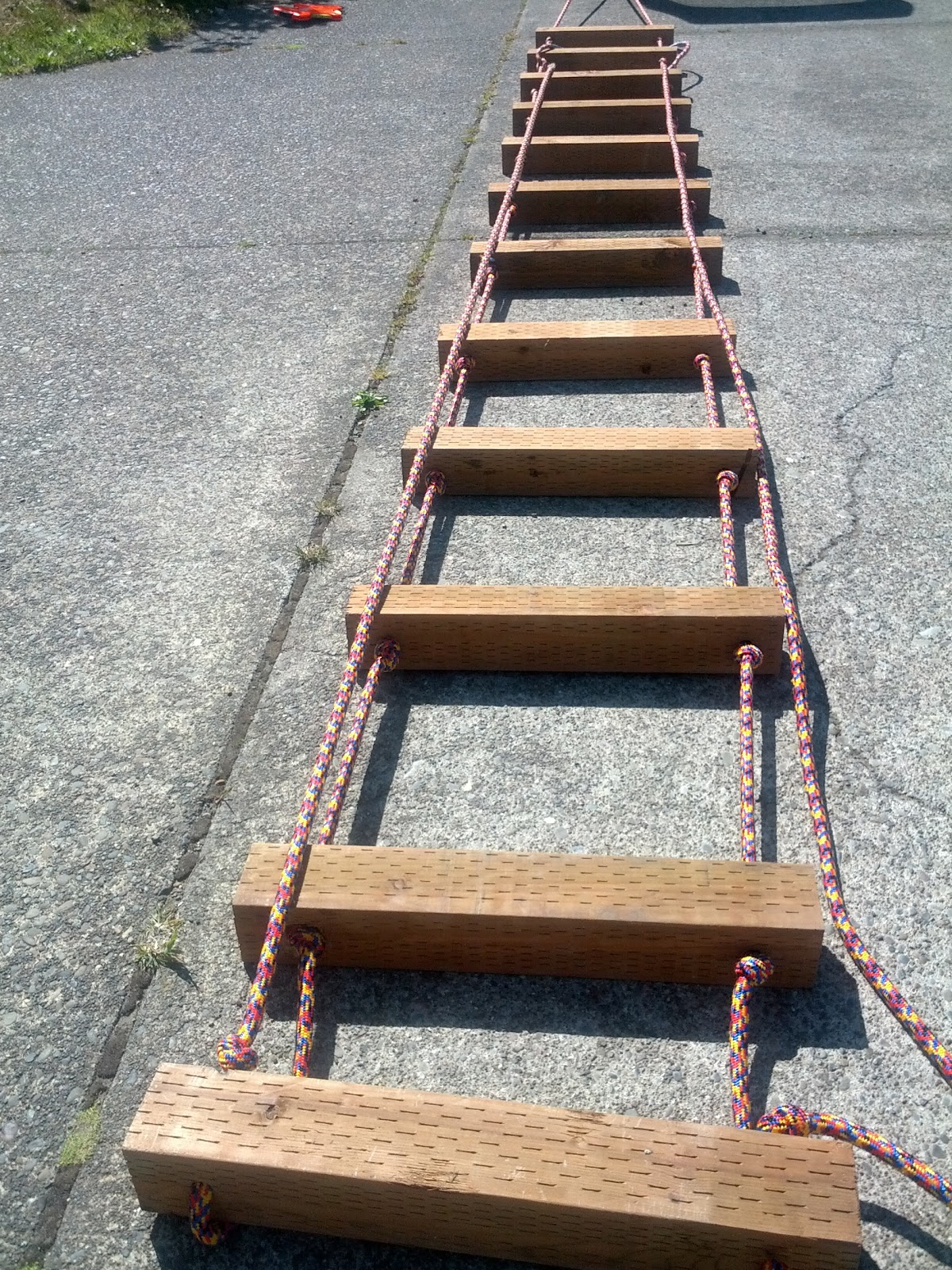 how to build a rope ladder
