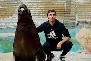 Gilles Simón con el lobo tenis