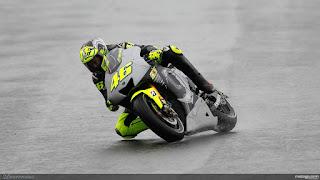 Foto-Yamaha-YZR-M1-Valentino-Rossi_9