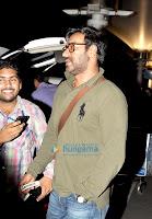 Ajay Devgan & Kareena Kapoor return from Dubai