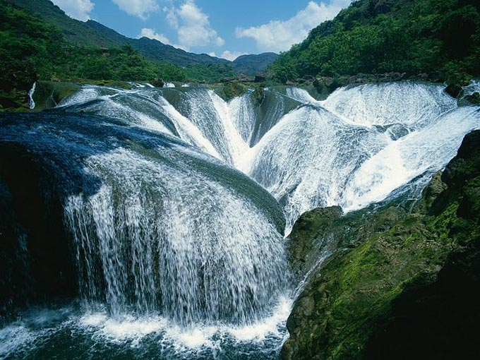 The Pearl Waterfall Jiuzhaigou Valley China