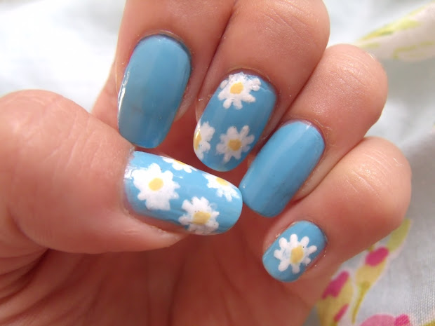 summer daisy nails victoria's