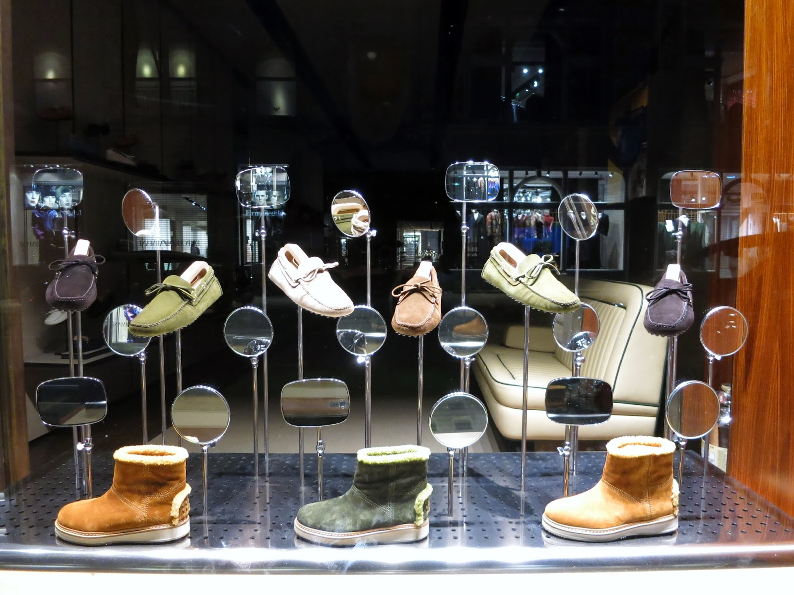 www.retailstorewindows.com: Car Shoe, London