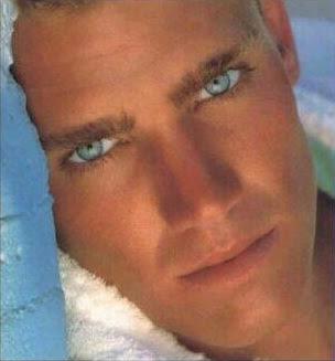 Homens De Olhos Azuis
