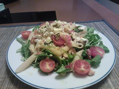 Ensalada fresca de verano con pasta