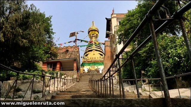 Swayambhunath-Temple-Katmandú-Nepal_